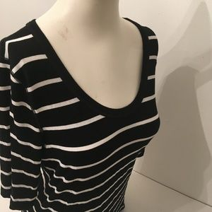 Ladies Top by Cable & Gauge size Large
